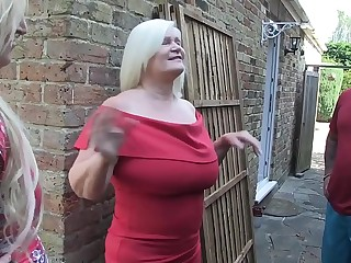 LACEYSTARR  Settling a Bet with Loula Lou