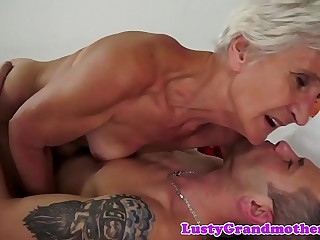 Saggy grandma gets her fur covered pussy fucked