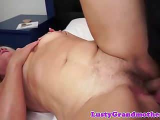 Saggytits grandma enjoys getting screwed