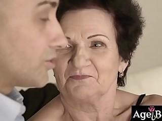 Granny Lisbeth's wrinkled twat got banged