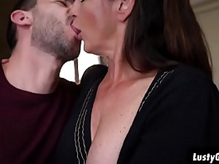 Hot granny Mariana gets a stiff vagina fucking from a young fresh stud