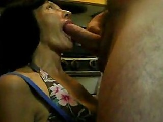 Granny gives me a blowjob in kitchen