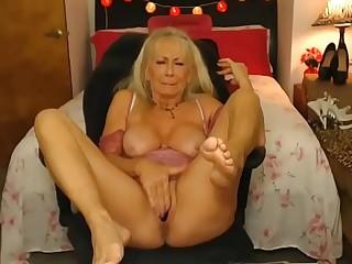 Sexy granny cumming firm on cam - sluttycams.net