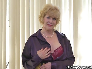 American gilf sindee dix will show u what that babe can't live sans almost any