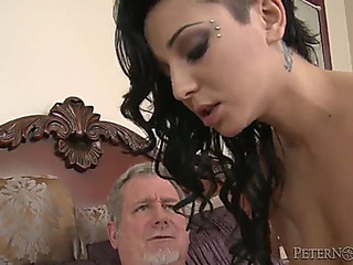 Aimee darksome is drilled by an old dude with a large impaler