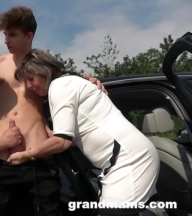 ?2 Grannies Just Fucked Me in Public!