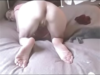 saggy cam granny spreads asshole and wanks