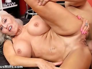 Super busty momma fucks like pro
