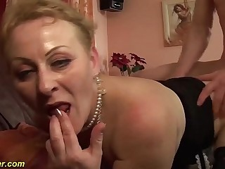 plump ass chubby mom bigcock banged by her toyboy