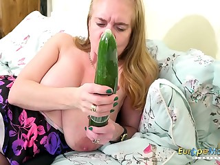EuropeMaturE Horny Mature with Cucumber and Fucktoys